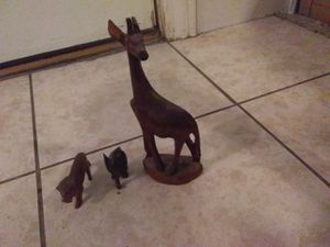 Wood animals set of 3 used broken pieces African mask and an aquarium for Sale in Salt Lake City, UT