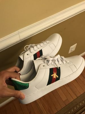Brand new Gucci Snake Sneakers sz 41 ( 8.5US ) no trades . for Sale in Hyattsville, MD
