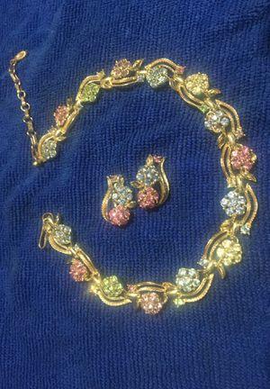 Photo Antique lisner costume jewelry