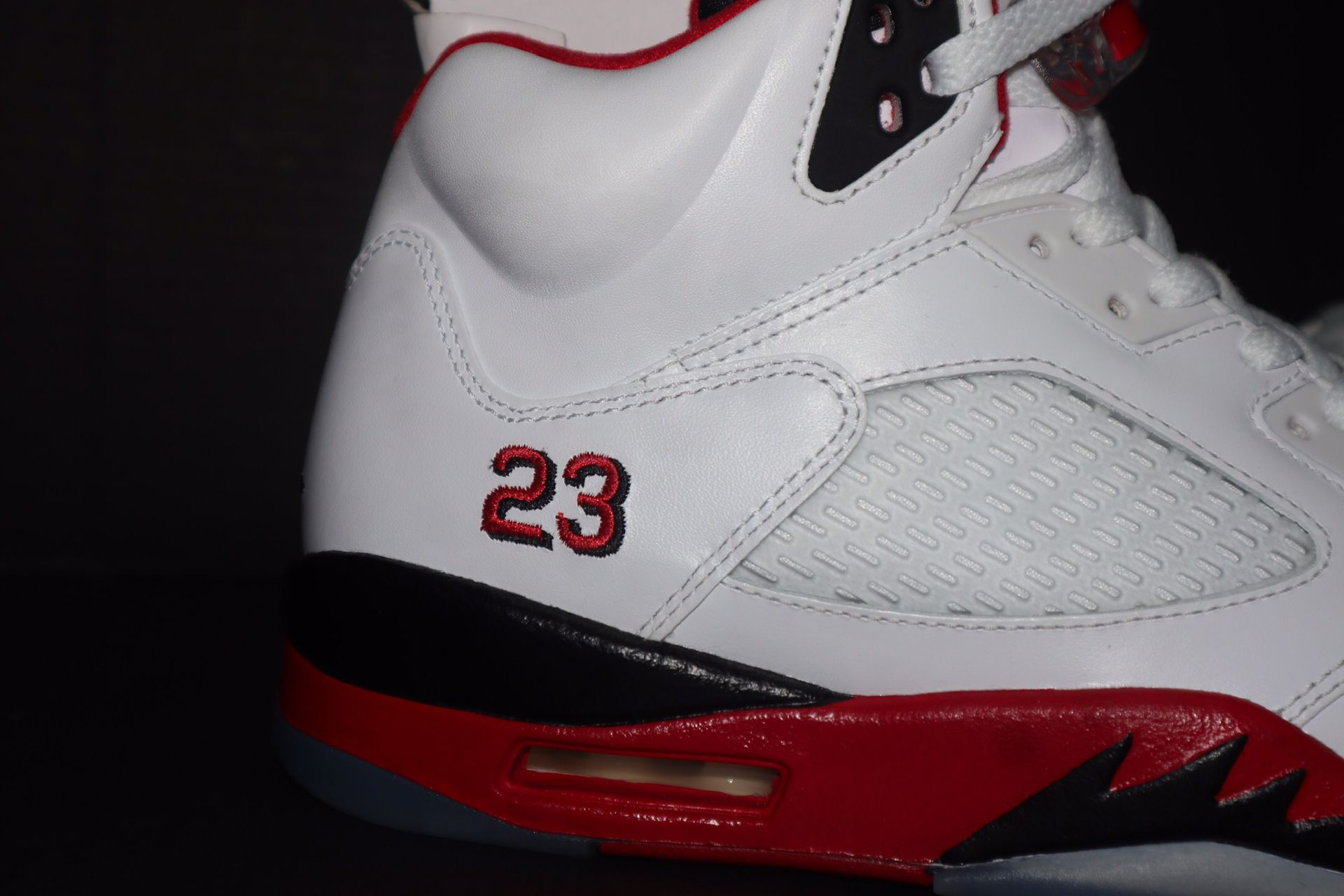 2013 Jordan Fire Red 5 size 9.5 DS Kept Brand new for 7 years