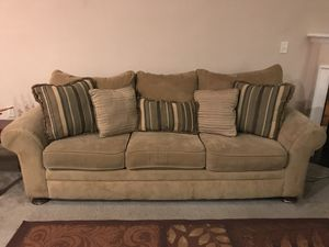 Sofa and loveseat set for Sale in Pickerington, OH