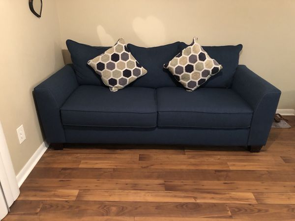 Mint Condition Rooms To Go Sleeper Sofa Miami Fl