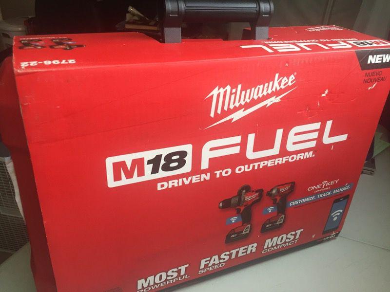 Milwaukee New M18 FUEL KIT ONE KEY ( BLUETOOTH ) Kit Nuevo De Dos Herramientas Con Bluetooth