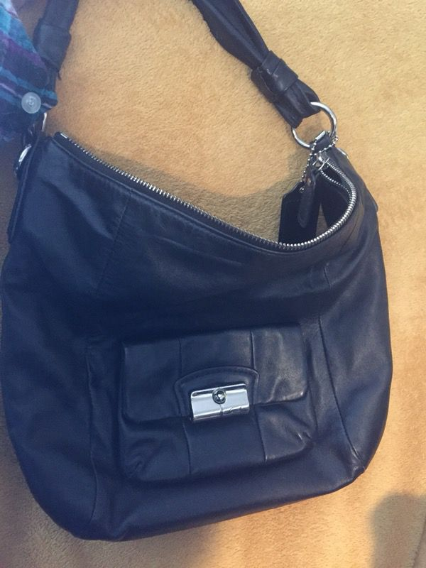 b24395d4e65d Used Coach Hobo Kristen purse shoulder bag for Sale in Austin