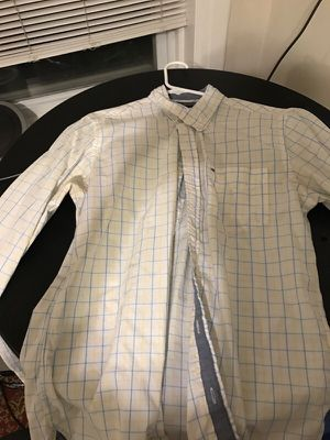Tommy Hilfiger medium custom fit button down for Sale in Chicago, IL