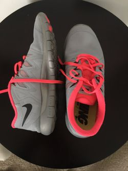 Nike size 8.5 Thumbnail