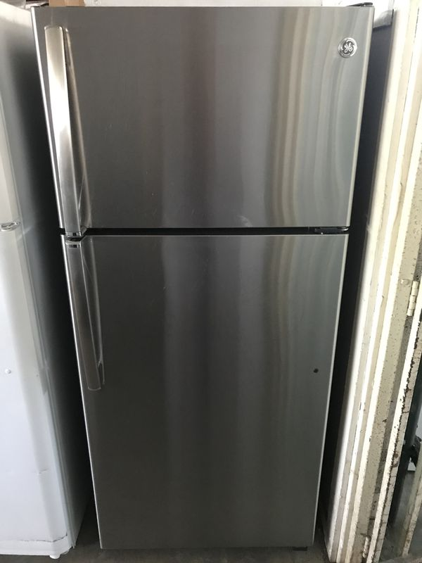 GE STAINLESS STEEL REFRIGERATOR-APARTMENT SIZE for Sale in Glendora ...
