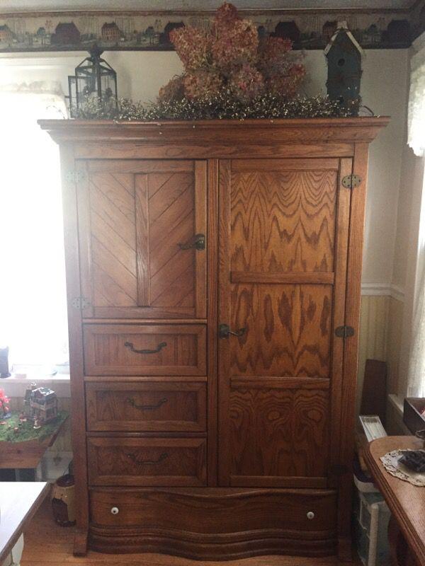 Pulaski Keepsake Golden Oak Sold Wood For Sale In Linden Nj Offerup