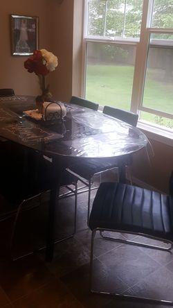 Mesa de vidrio en muy buenas condiciones Thumbnail