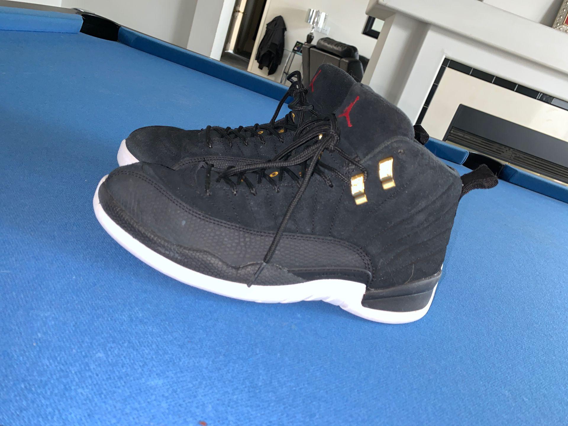 Air Jordan 12 / size 8 mens