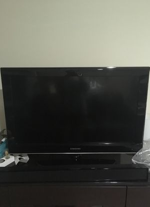 32 in Samsung TV works perfect for Sale in Herndon, VA