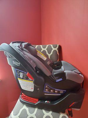 Photo Britax B-Safe Ultra Infant car seat and base
