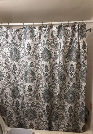 Shower curtain and bathroom rugs in the kitchen rug very good condition for Sale in Annandale, VA