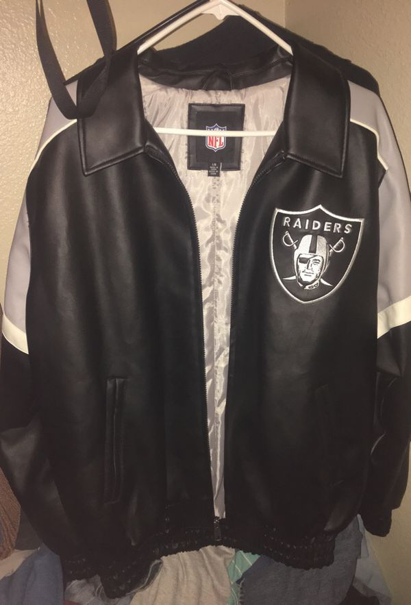 premium selection 73c68 bb502 Oakland Raiders Real Leather Glll Jacket(Large) for Sale in Phoenix, AZ -  OfferUp
