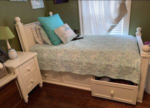 Photo Pottery Barn Bedroom Set