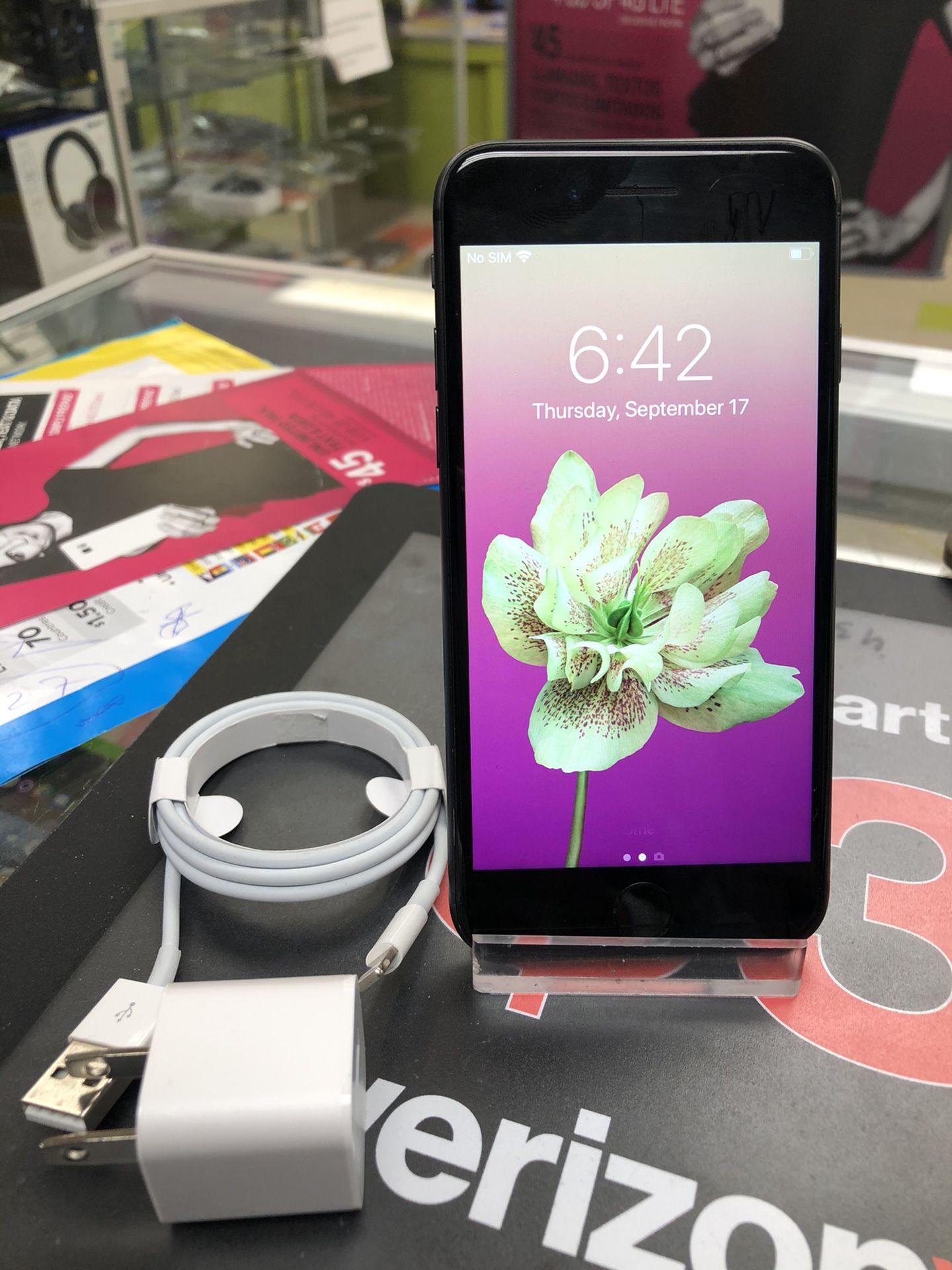 Factory unlocked iPhone 8 64Gb, store warranty