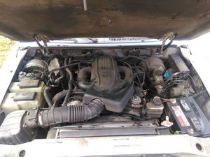 99 Ford Explorer XLT for parts only for Sale in Upper Marlboro, MD