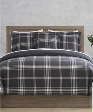 Danbury Comforter Set 4-Pc. (QUEEN) BRAND NEW, UNOPENED + Macy's 20% off Coupon for December!! for Sale in Washington, DC