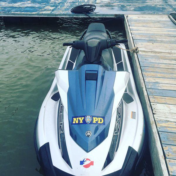 Yamaha vx cruiser 2016 whit trailer included . $5,000 negotiable