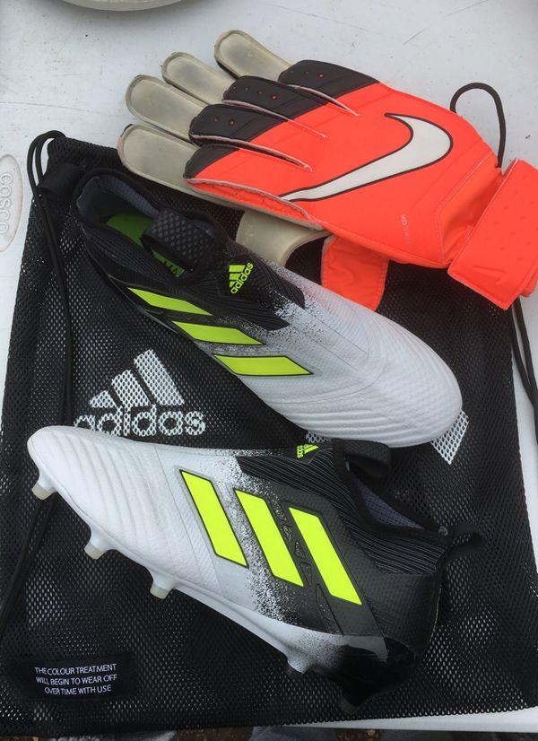 7bf2af3a3 Soccer cleats   Goalie gloves for Sale in Belton