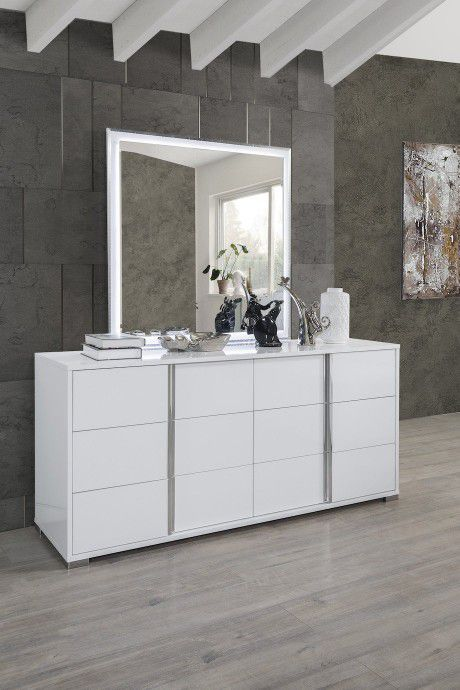 HOT DEAL] Serena Lacquer White Modern Panel Bedroom Set  (Available in Queen, King bedroom set & dresser, mirror, nightstand)