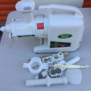 Green star juice extractor for Sale in Hyattsville, MD