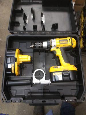Photo Dewalt 18v heavy duty hammer drill kit.