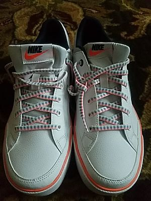 New tennis nike size 7 for Sale in Silver Spring, MD