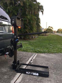 "Power Wheelchair Lift / in 2"" hitch - D/C Powered Thumbnail"