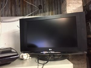 """32"""" flat LG TV for Sale in Baltimore, MD"""