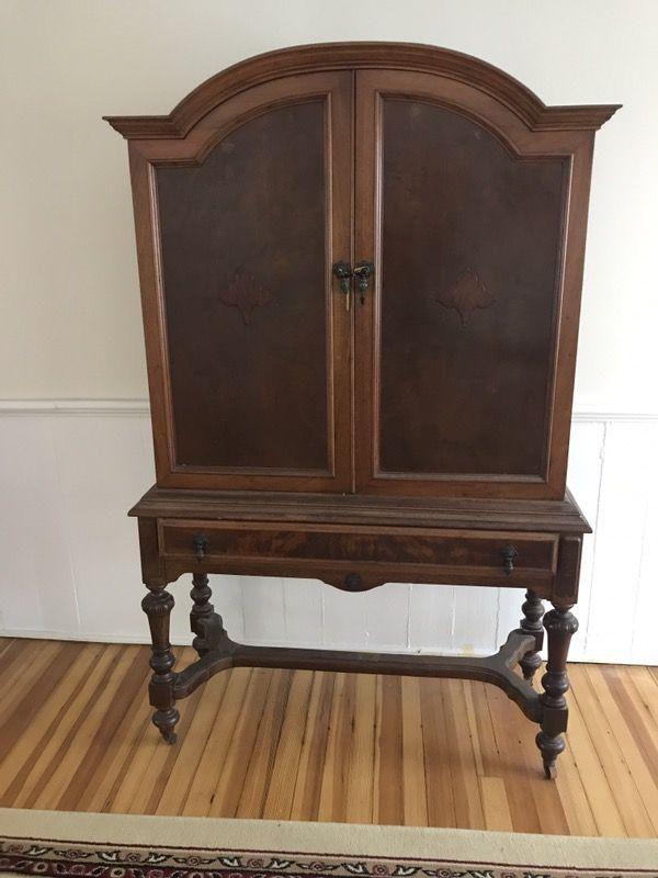 - Mohlhenrich Hutch Cabinet Antique (Furniture) In Norwalk, CT - OfferUp