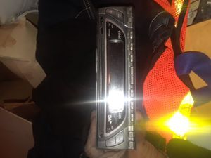 2 Radio CD players 15$ each for Sale in Chicago, IL