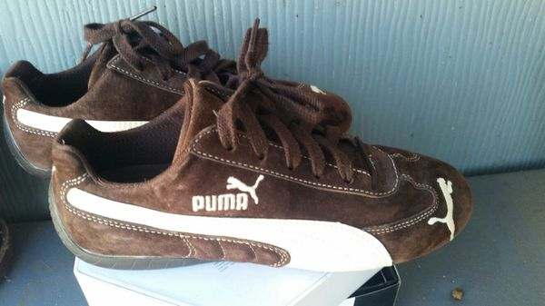 6bb25275f8ae8 Puma suede tennis shoes womens 8.5 for Sale in Huntington Beach, CA ...