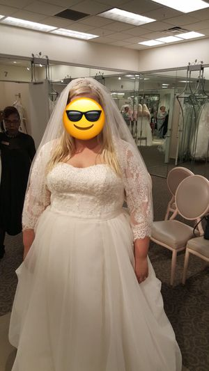 Oleg Cassini Plus-Size Bridal Gown & Accessories (never used) for Sale in Purcellville, VA
