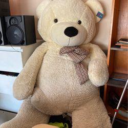 GIANT TEDDY BEAR !!  Thumbnail