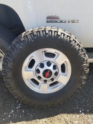Photo Chevrolet 2500HD TIRES & WHEELS 8 lug. Nitro 285/70/17