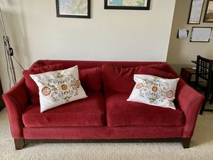 Photo La-Z Boy | Couch + 2 big cushions, 2 matching throw pillows, 2 IKEA throw pillows
