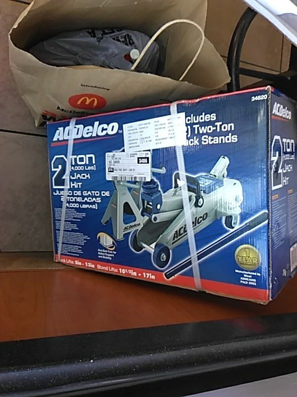 Automotive Ac Delco 2 Ton Floor Jack And Jack Stands Vehicle Lifts
