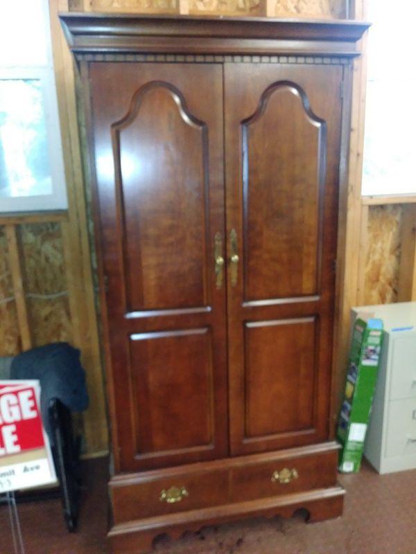 Cherry Wood Lane Cedar Lined Wardrobe For In Bremerton Wa Offerup