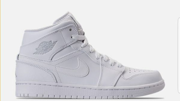 Sz 9 5 Mens Air Jordan Retro 1 Mid Retro Basketball Shoes Clothing Shoes In Pittsburgh Pa Offerup