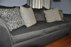 3 Seater Sofa in excellent condition for Sale in Millbury, MA
