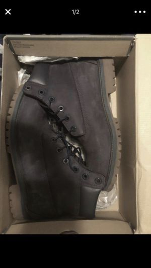 Timberland boots size 7 color dark blue used but in great condition for Sale in Washington, DC