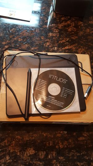 Wacom Intuos Tablet (small) for Sale in Las Vegas, NV