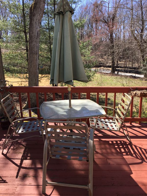 Patio Table With Umbrella And 3 Chairs Waldorf Md