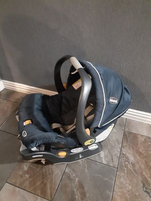 Photo Very clean chicco car seat and base