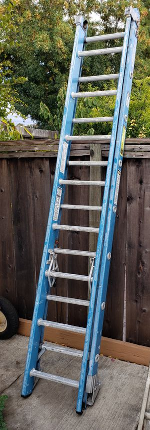 Photo Werner 16-ft Fiberglass Type 1 - 250 lbs. Extension Ladder