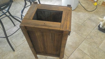 Tall rustic planter box Thumbnail