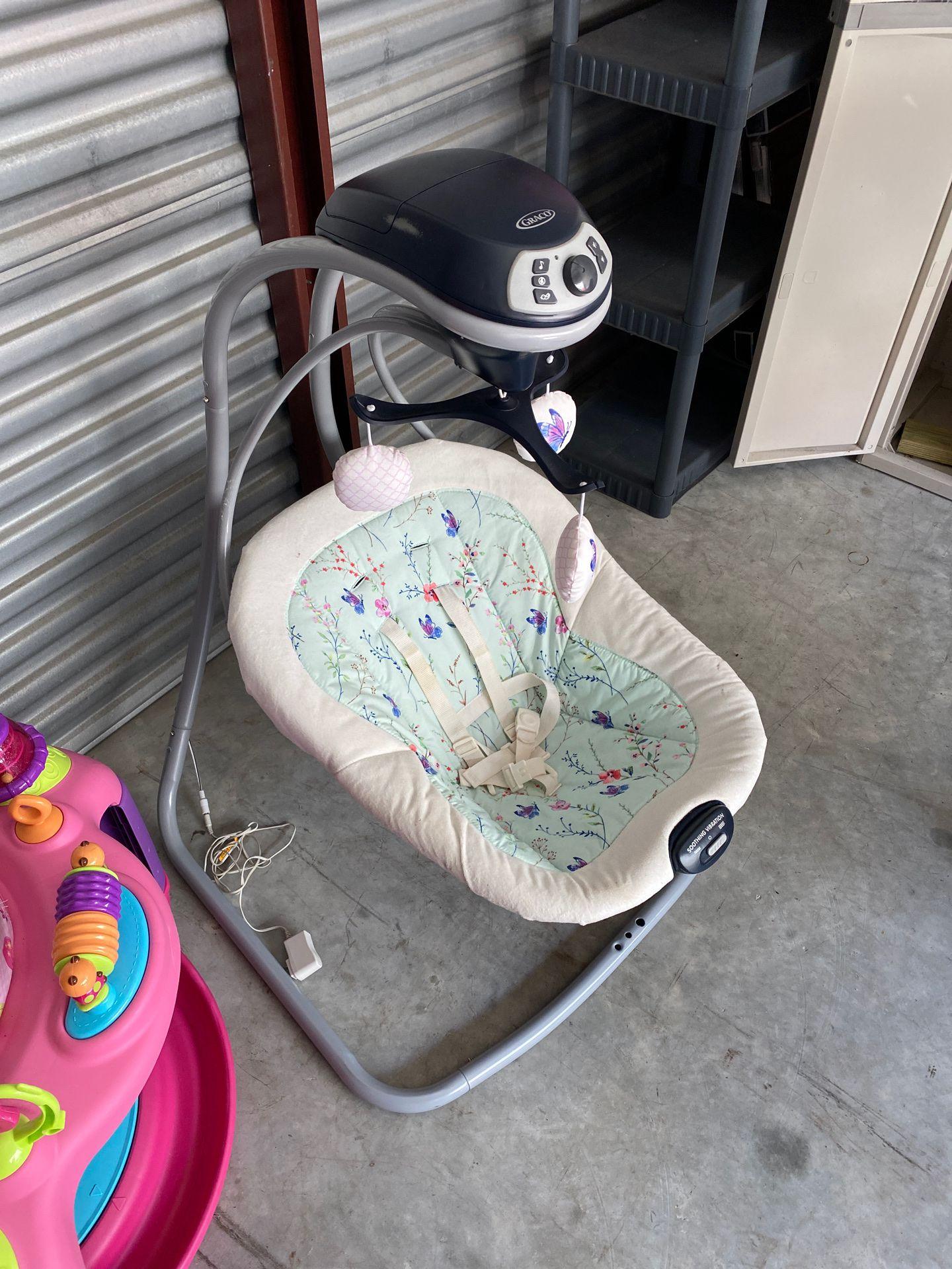 Graco Baby Swing Unisex color