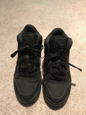 21f8c1fae9cd6 Boys Nike high tops size 4 youth for Sale in Nashville, TN - OfferUp