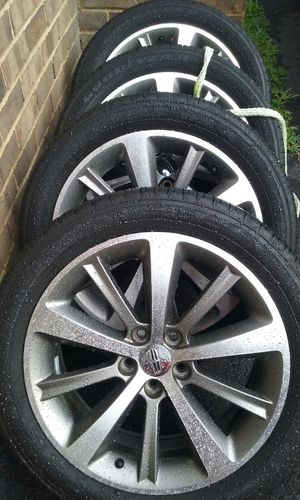 Lincoln rims and tires for Sale in Henrico, VA